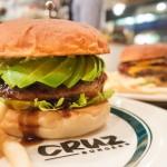 ランチにもディナーにも!四ツ谷「CRUZ BURGERS(クルズバーガーズ)」最高のハンバーガーとクラフトビールの組合せは足を運ぶ価値あり!